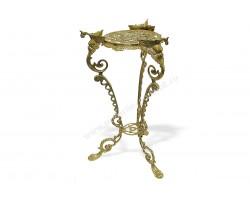 Столик из металла декоративный